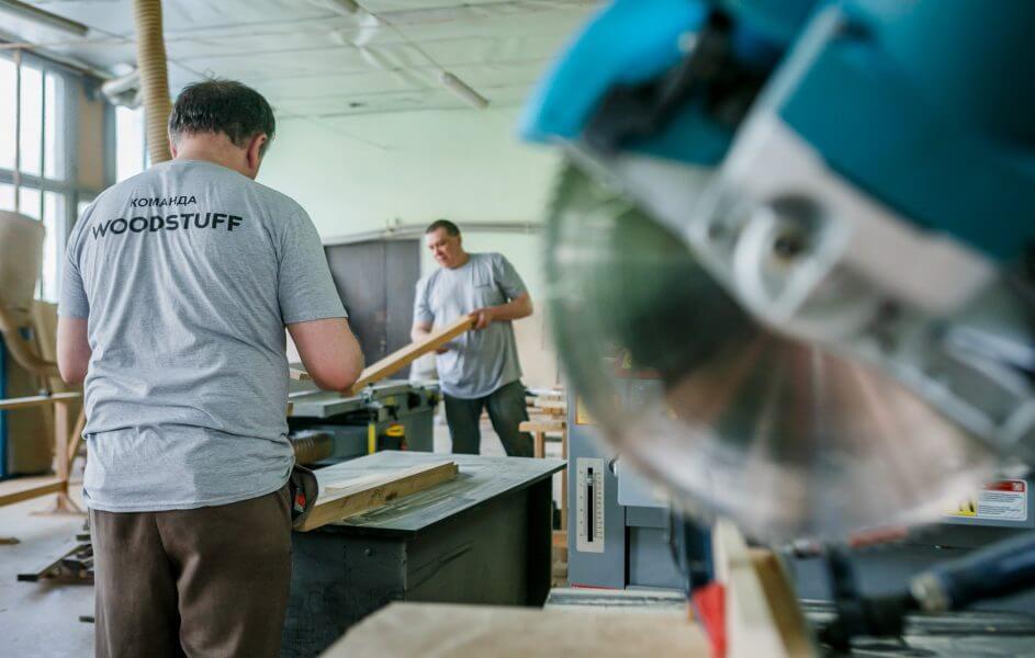 Як побудувати бізнес на виробництві посуду з дерева Woodstuff