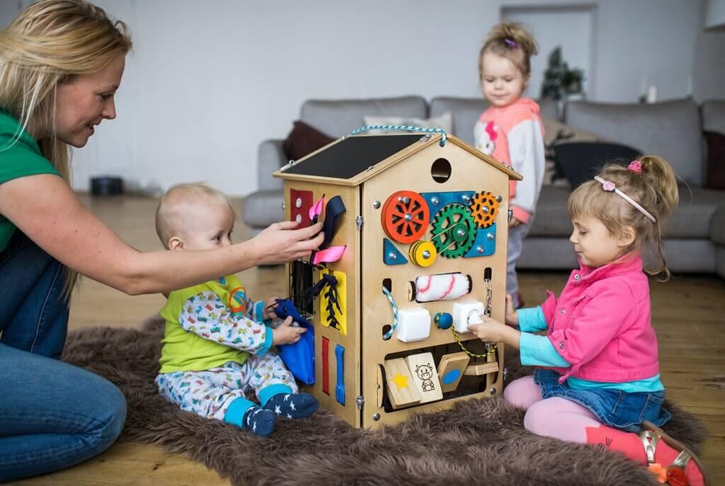 бізнес ідея бізіборди для дітей