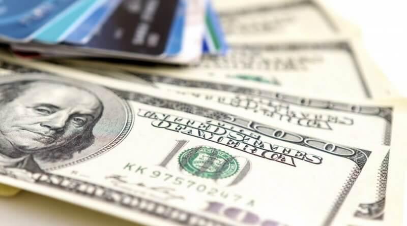 У квітні українці продали валюти на $51 млн більше ніж купили