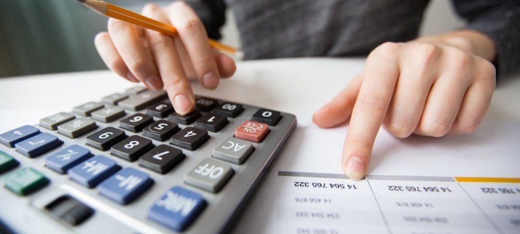 Корупційні схеми у падатковій та дефіцид бюджету