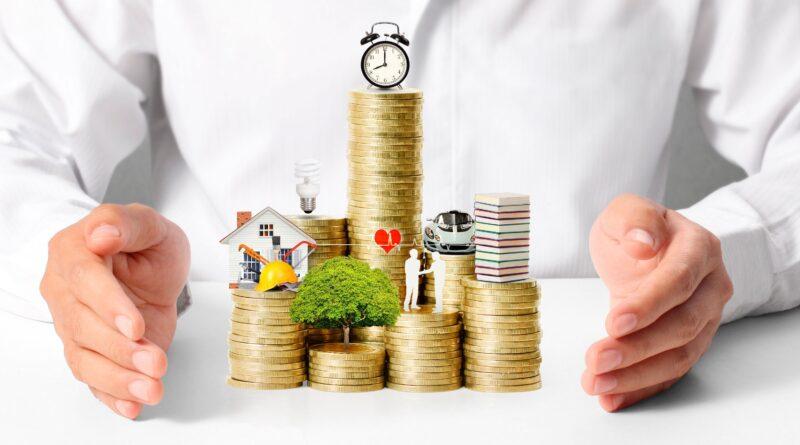 Як правильно розпоряджатися власними фінансами та навчитись збирати гроші