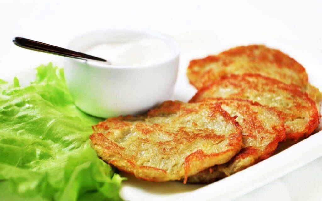 Класичні деруни із картоплі фото