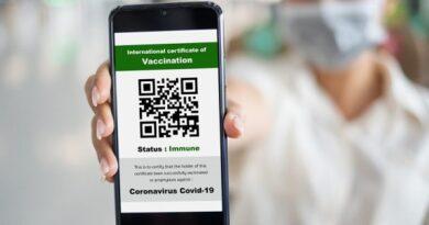 Що таке ковідний сертифікат та як він допоможе подорожувати у Європі